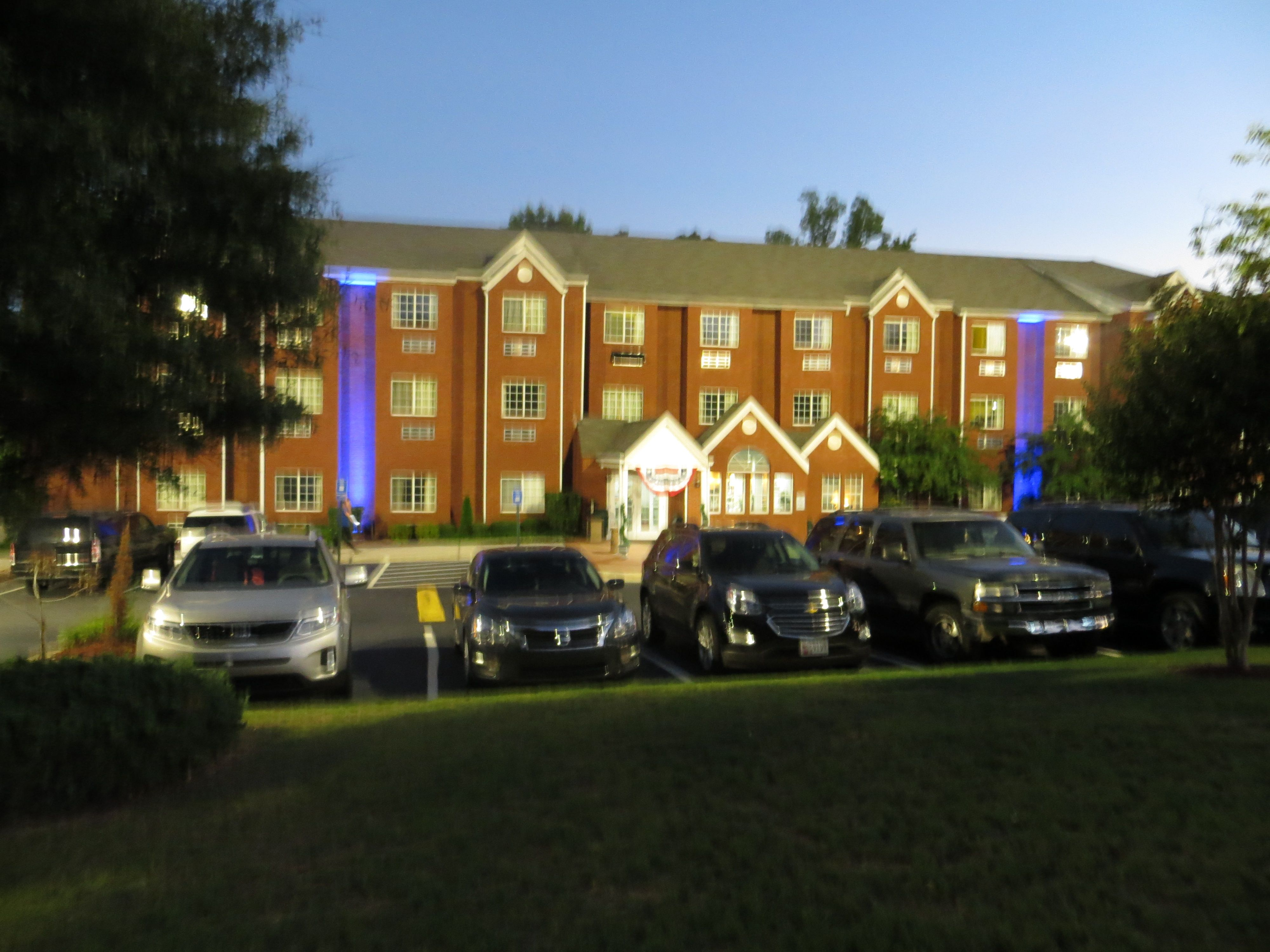Welcome To Newly Renovated Microtel Inn Suites By Wyndham Stockbridge Atlanta I 75