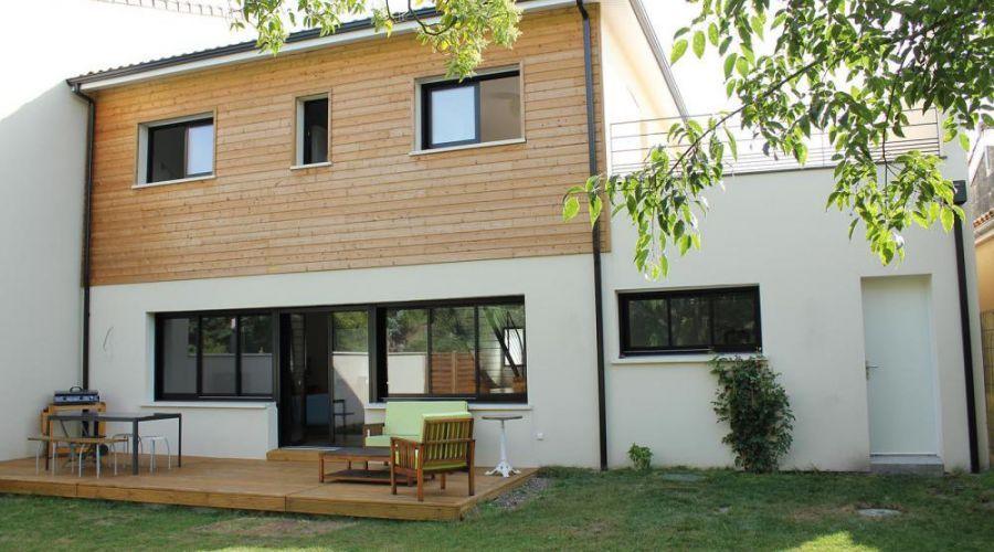 La Maison De Ville Ouverte Et Genereuse Avec Images Maison De Ville Maison Villa