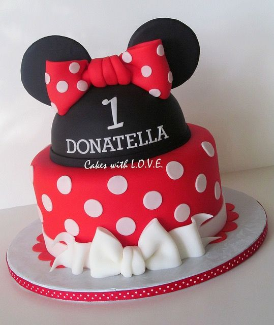 Pin by la maison du cake on mickey minnie mouse cake for Decoration maison mickey