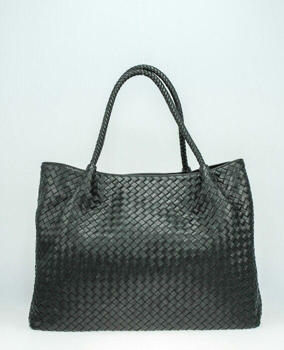 borsa intrecciata pelle nera