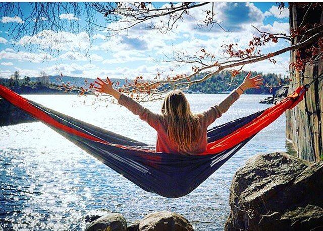 I Can Feel The Wisdom Of Freedom Hit Me On The Face Endrent Hammock Hammocklife Happiness Freedom Travel Instagram Pictures Instagram Posts