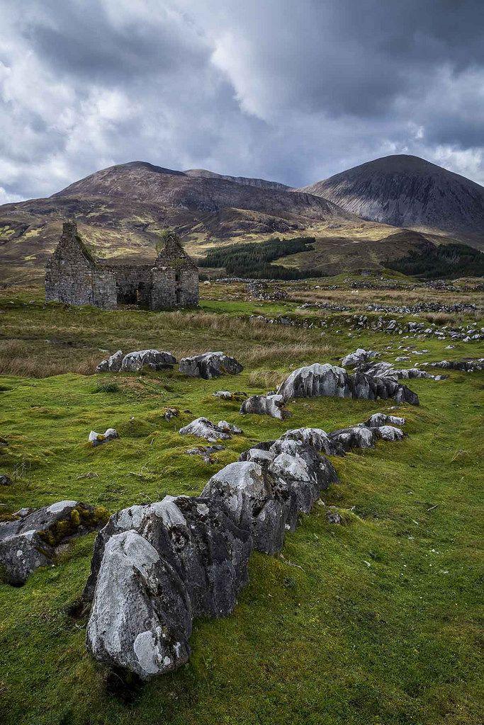 Wanderthewood Beinn Dearg Mhor And Beinn Na Caillich Isle Of Skye Scotland By Bje Landscape Photography Skye Scotland Isle Of Skye Landscape Photography