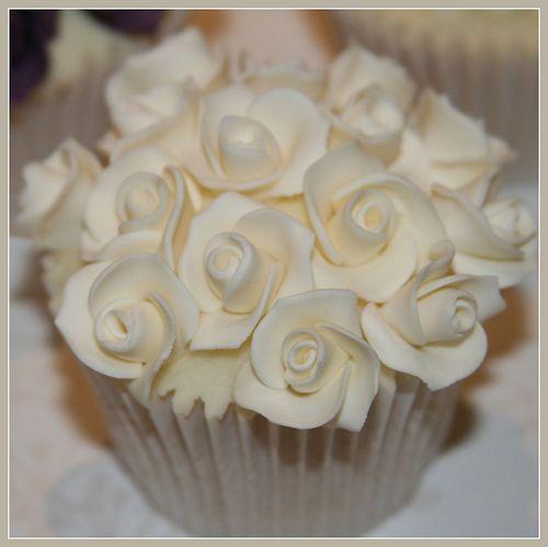 Wedding Cupcake - Floral Top