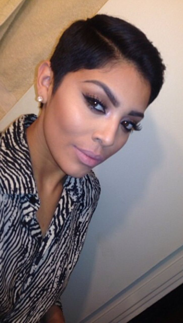 Short Black Haircuts Women 16
