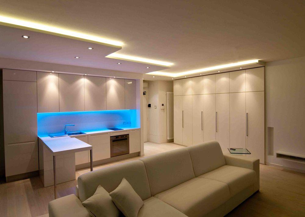 Nuovaluce zona soggiorno cucina valorizzata da effetti - Cucina in cartongesso ...