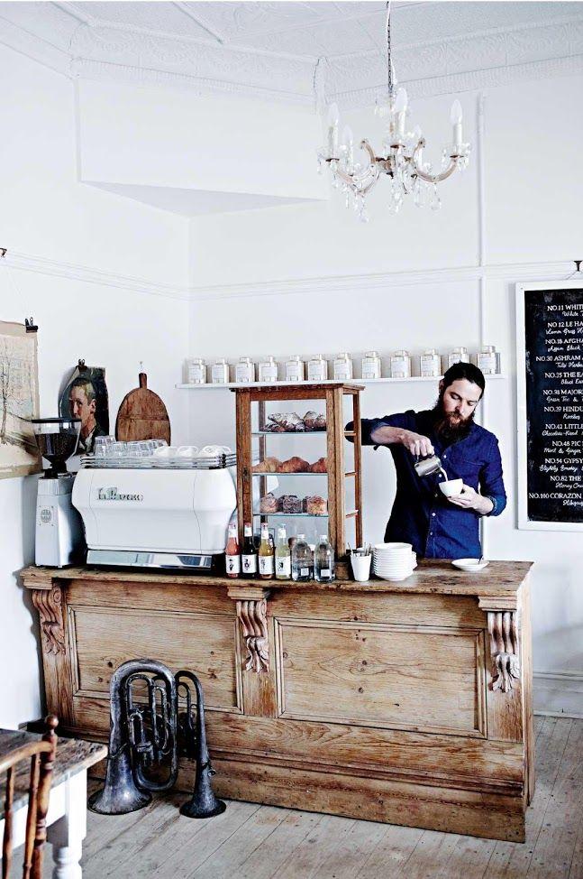 Blanc céruse et patines   Salon de thé Poets Ode Handorf en Australie