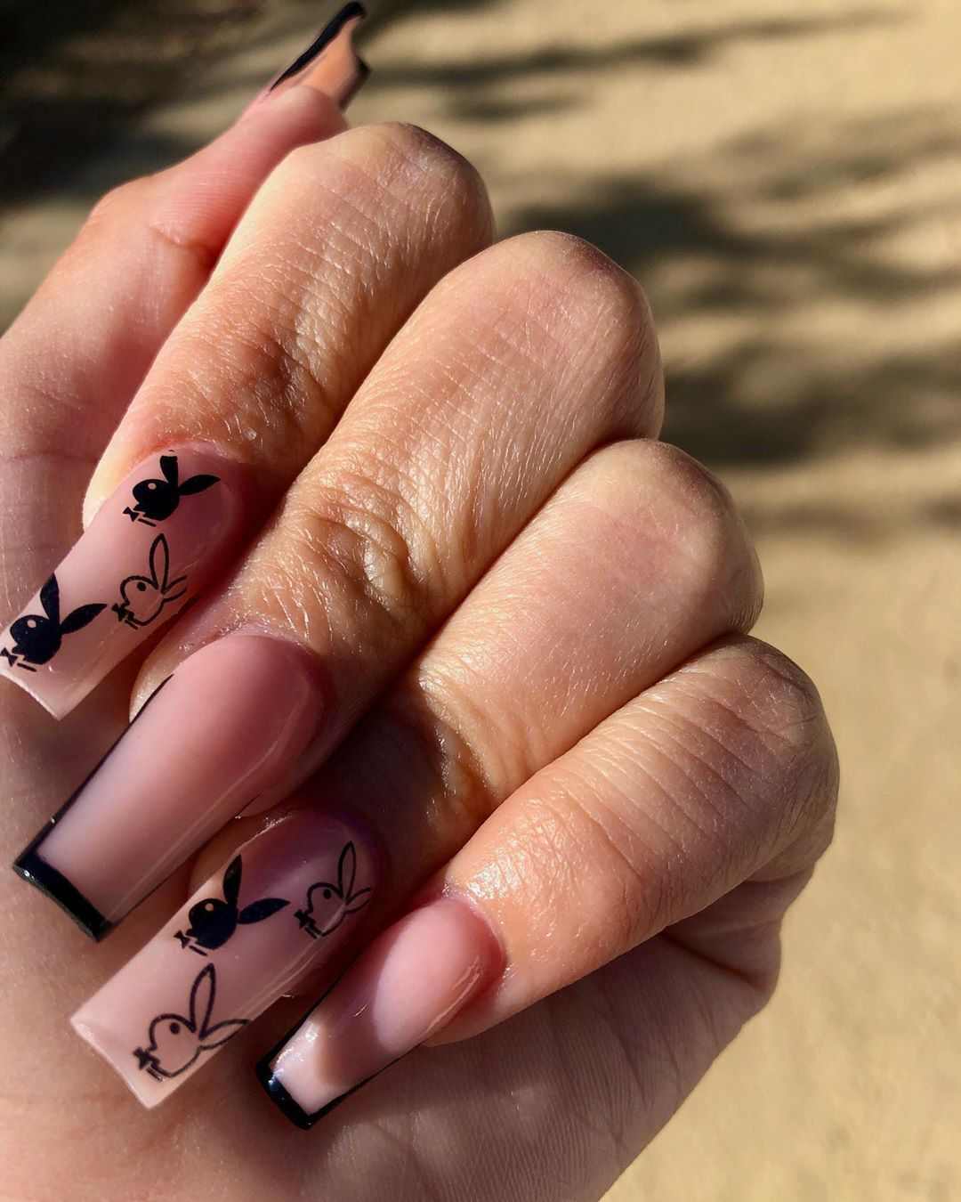 Vanessa On Instagram Simple Lil Freestyle Using Valentinobeautypure Valentinobeautypure In 2020 Stylish Nails Designs Rhinestone Nails Black Acrylic Nails