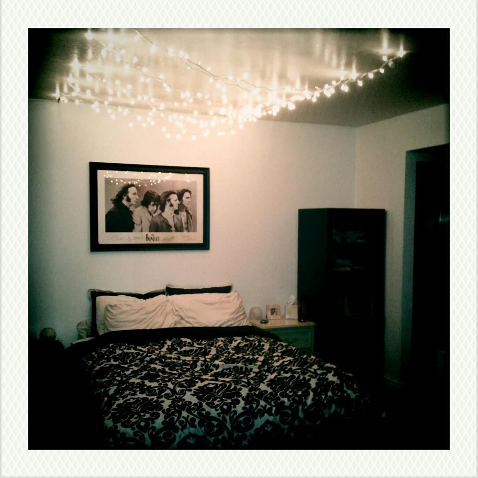 Bedroom Ceiling Star Lights Dark Brown Carpet Bedroom Ideas Vintage Black And White Bedroom Ideas Native American Bedroom Decorating Ideas: Star Canopy: Christmas Lights Strung On The Ceiling With