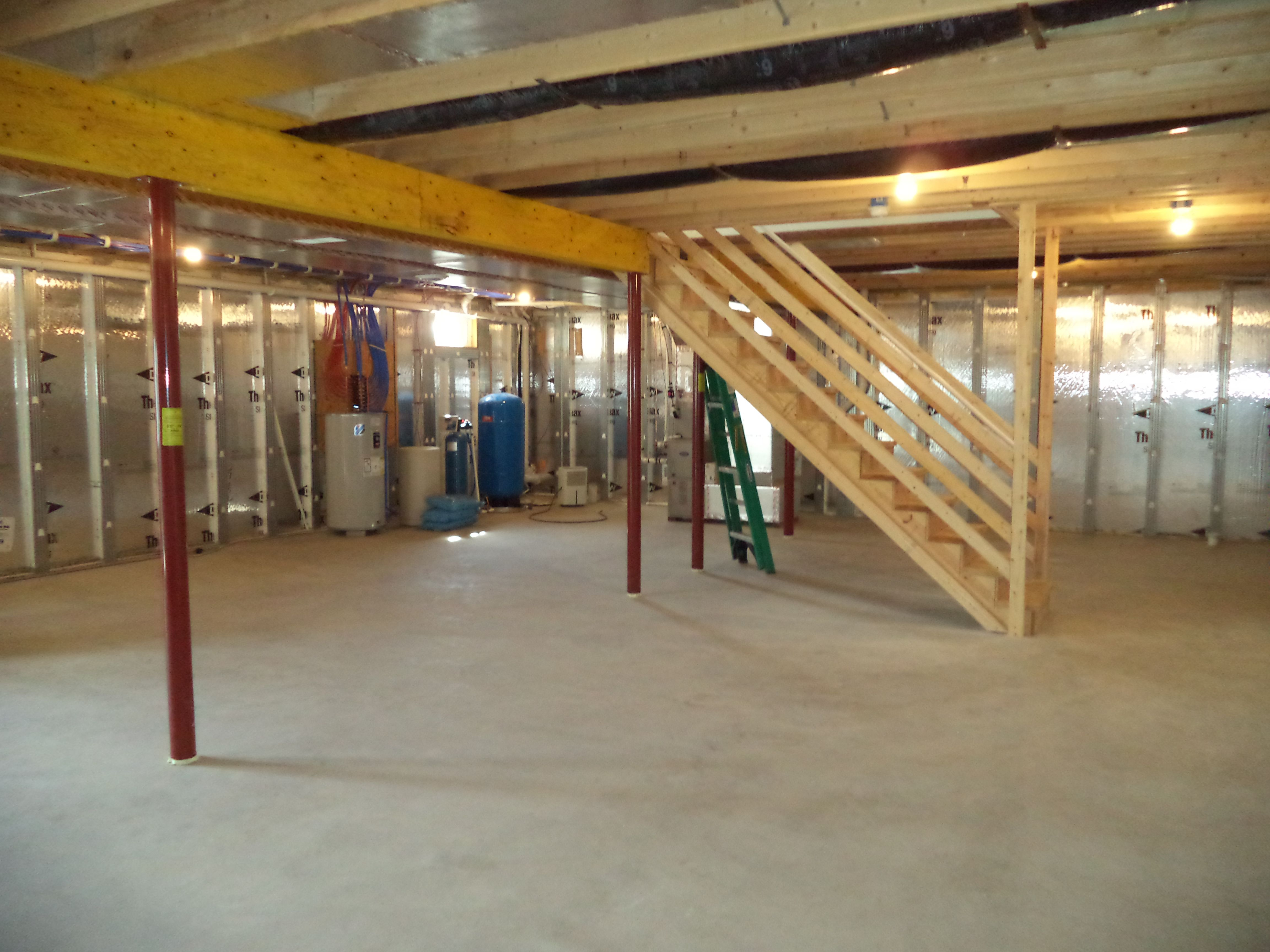 a standard basement with insulated superior walls 16 37