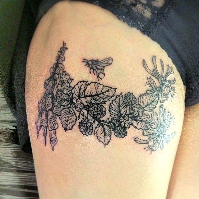 Not the best pic but here is a little botanical tattoo. #flower #flowers #flowertattoo #botanical #illustration #engraving #vintage #linework #thightattoo #girlytattoo #tattoos #tats #tattooed #ink #inkedup #uktta #uktattooartist #scottishtattooartist #glasgowtattooartist #kymmunster