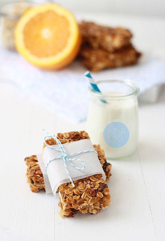 Breakfast Bars Muesli Condensed Milk And Chocolate Chips Seems Pretty Easy To Me Barra De Cereal Recetas De Comida Muesli