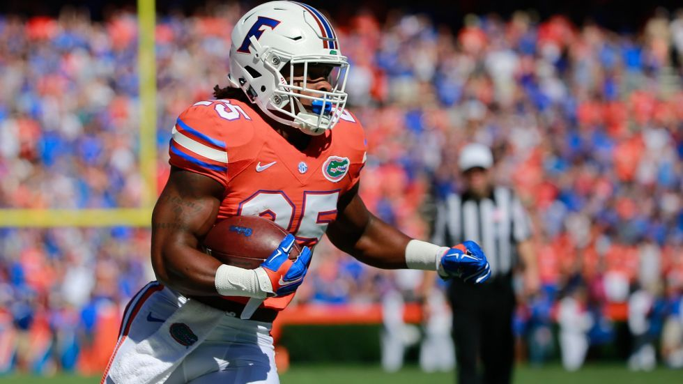 Watch UF running backs Scarlett and Thompson compete in a