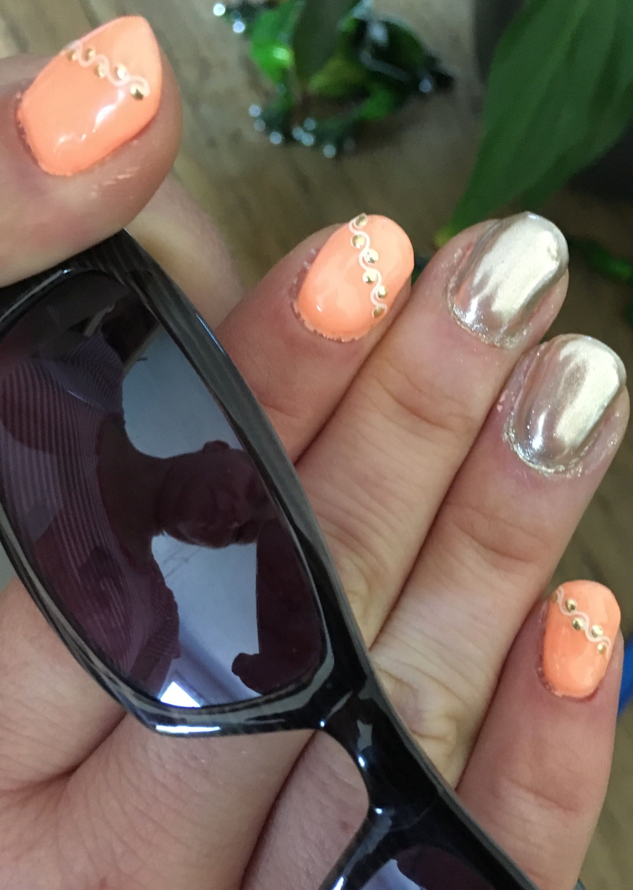 Nails - Nageldesign pastellorange mit Chrom- Puder | Nageldesign ...