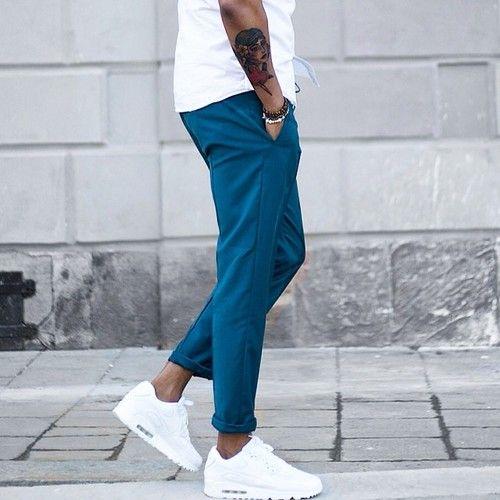 un pantalon bleu