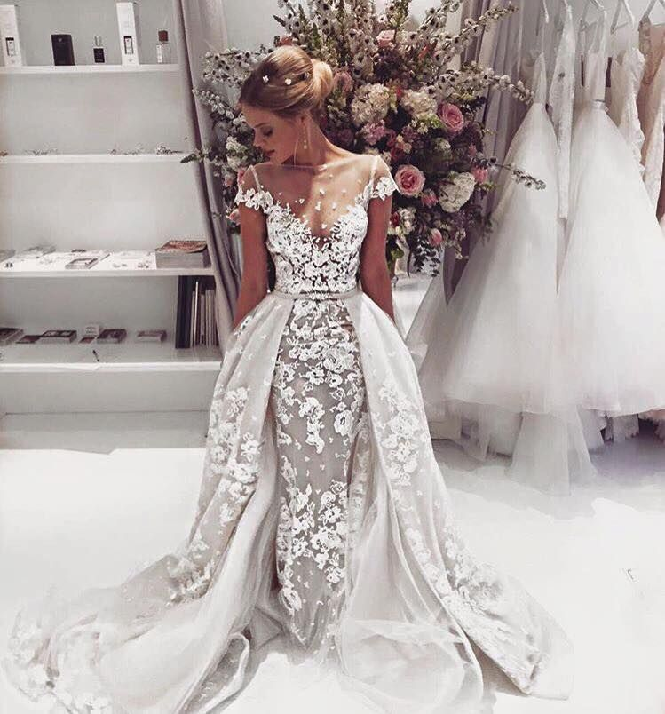 So much #BERTA beauty is going on in London at The Wedding Club ...