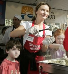 help at a soup kitchen or local mission such as the los angeles rh pinterest co uk soup kitchen los angeles volunteer soup kitchen los angeles thanksgiving