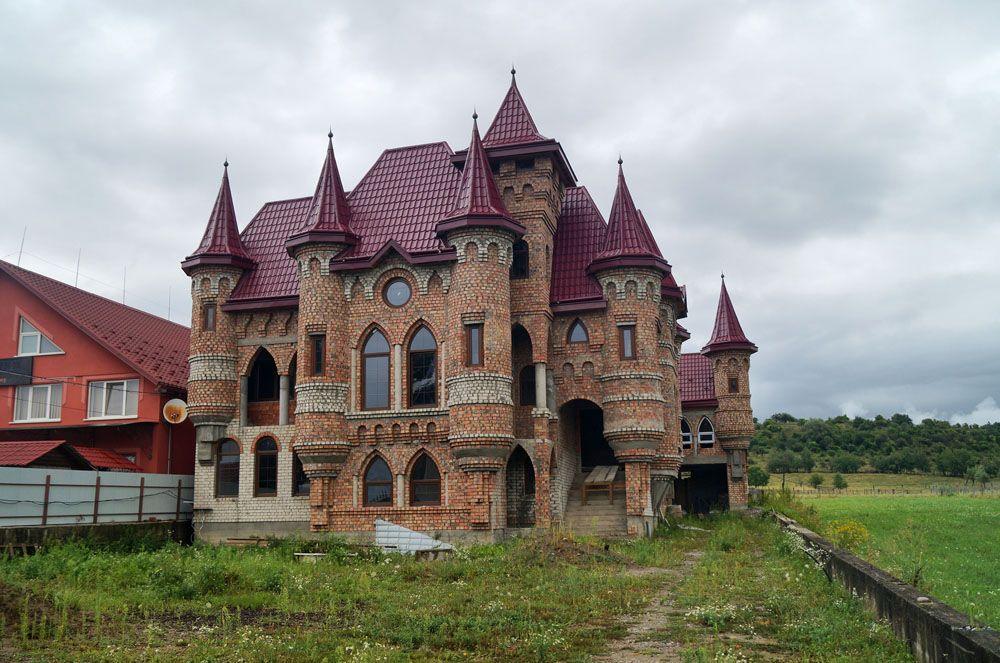 Вот 20 фото самого богатого села Украины. Скажу честно ...