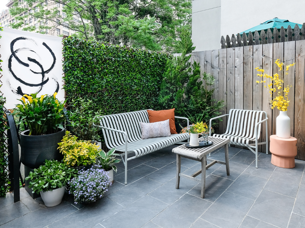 Patio Makeover: The Easiest DIY Green Wall Ever   Patio ... on Green Wall Patio id=55638