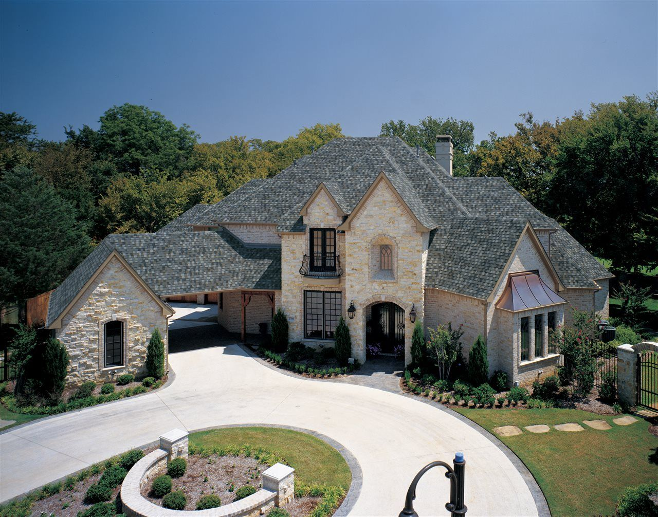 Homeowners may not realize that the type of roof shingle