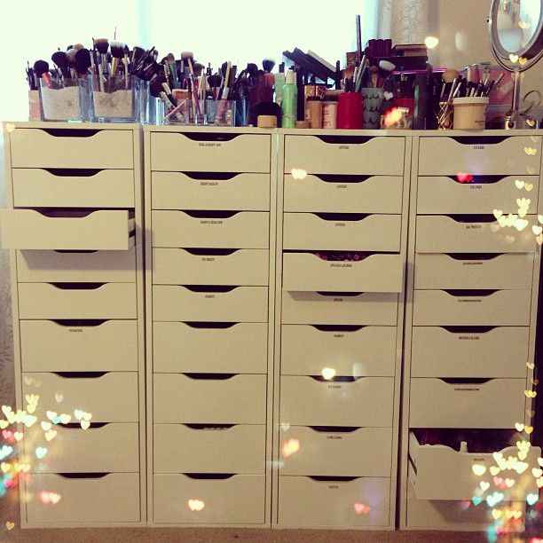 Pin By Makayla Murphy On Makeup Goals Makeup Collection Storage Makeup Vanity Storage Makeup Organization Vanity