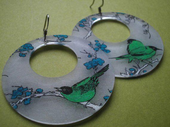 birds on a branch (green)