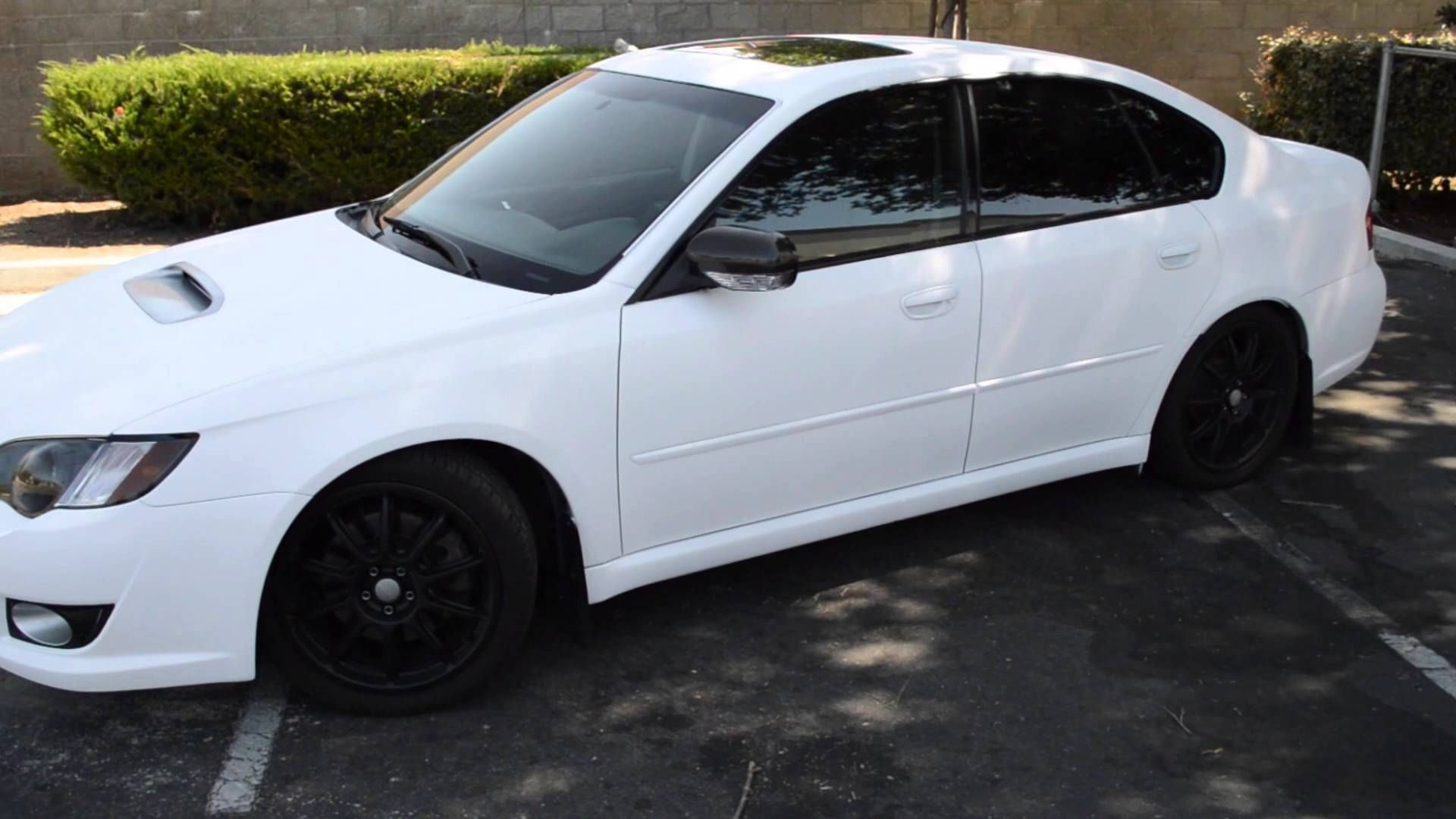 Youtube video: Plasti Dip Matte White ( Subaru Legacy Gt