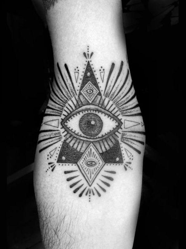 Illuminati Triangle Tattoo men illuminati ...