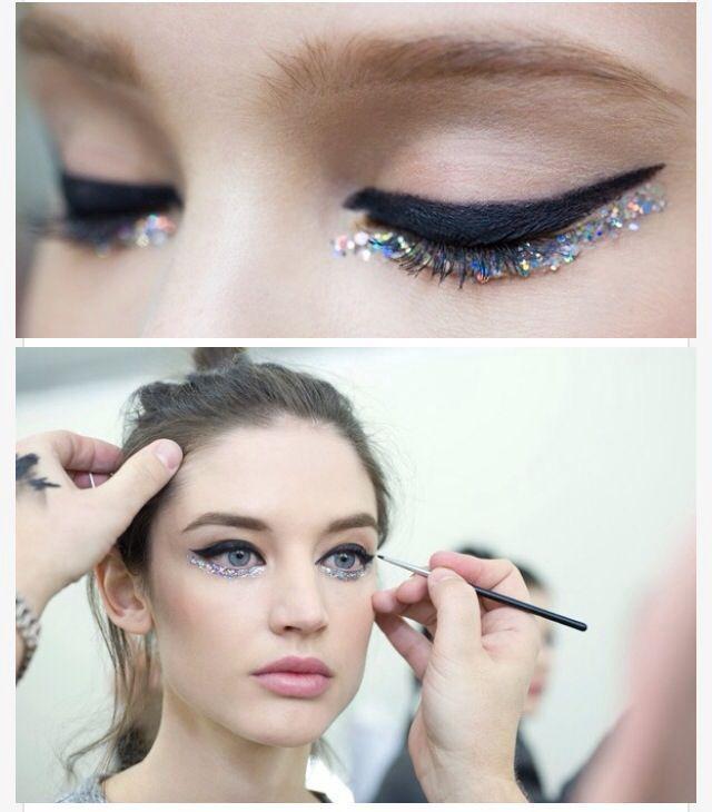 Resultado de imagem para chanel glitter eyeshadow