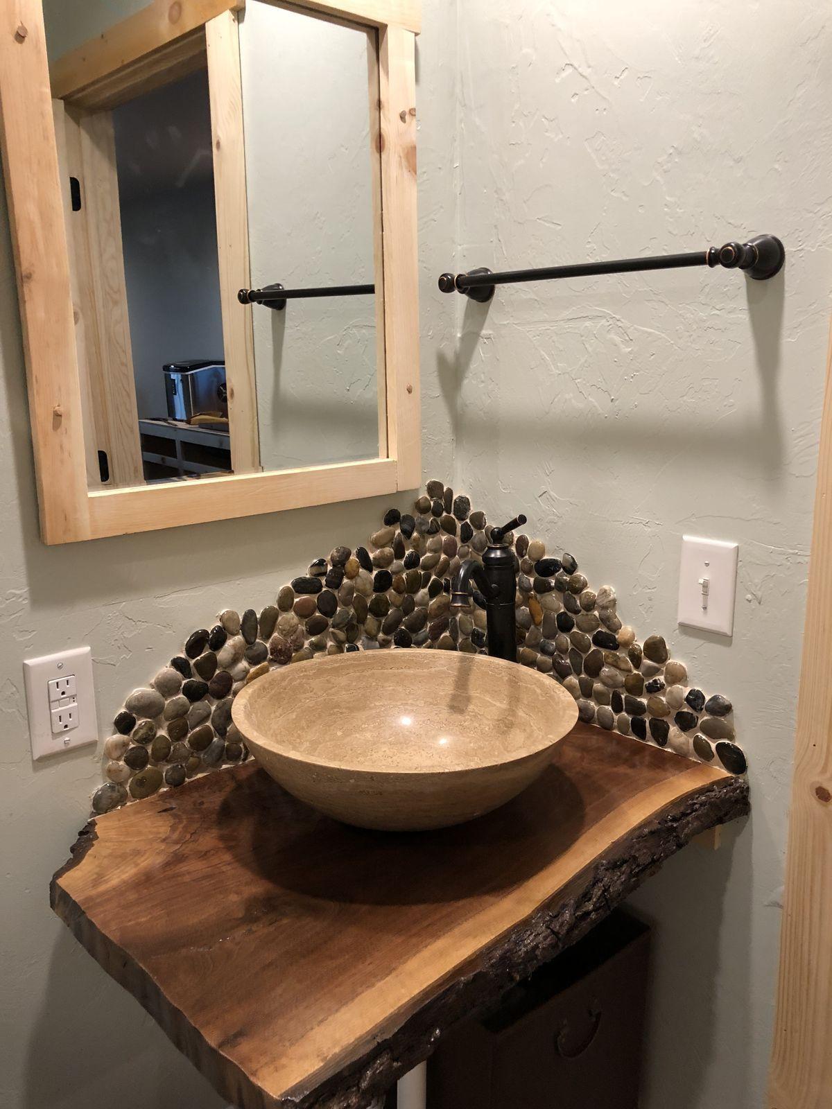 C8292a23dcebc0db3a5353adb404fc08 Jpg 1 200 1 600 Pixels Stone Backsplash Bathroom Bathroom Backsplash Rock Backsplash