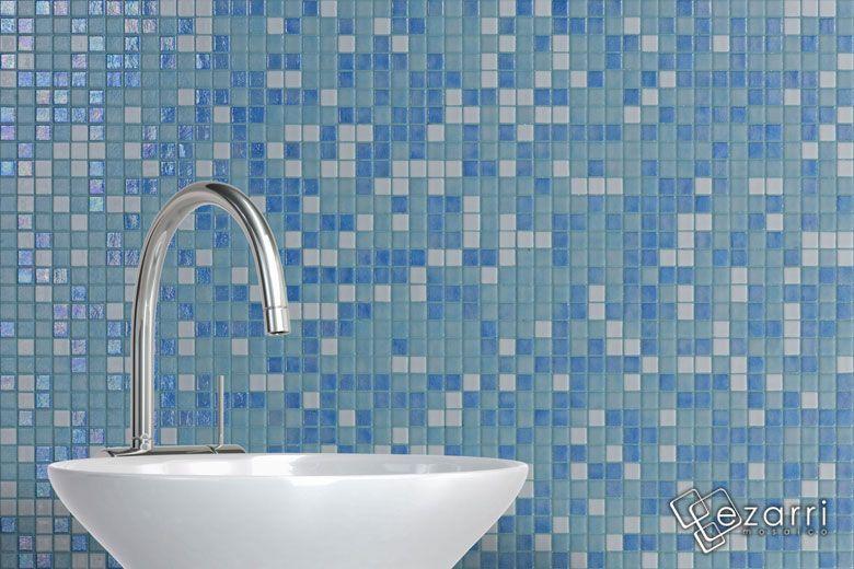 Mur de salle de bain en emaux de verre Ezarri Sky Idee per la casa