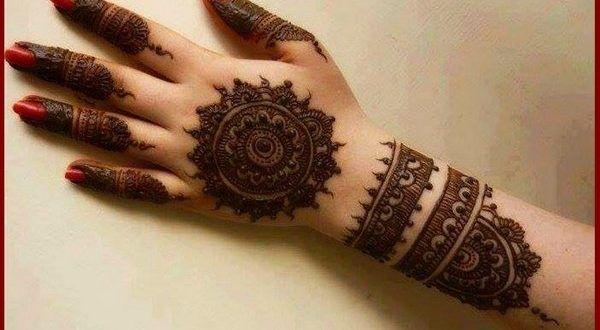 Design Of Mehndi For Women : Popular hand mehndi designs for women