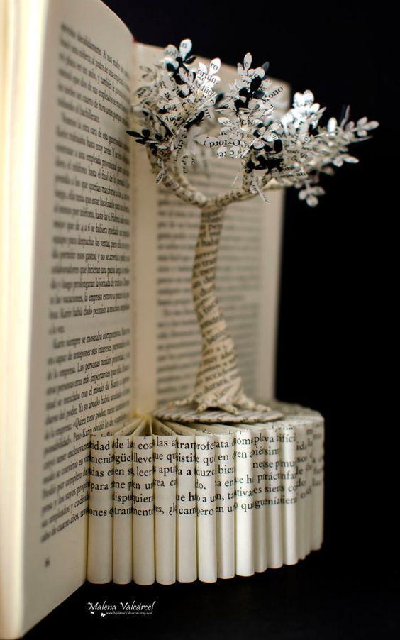 buch papier kunst skulptur baum des lebens von malenavalcarcel weihnachten. Black Bedroom Furniture Sets. Home Design Ideas