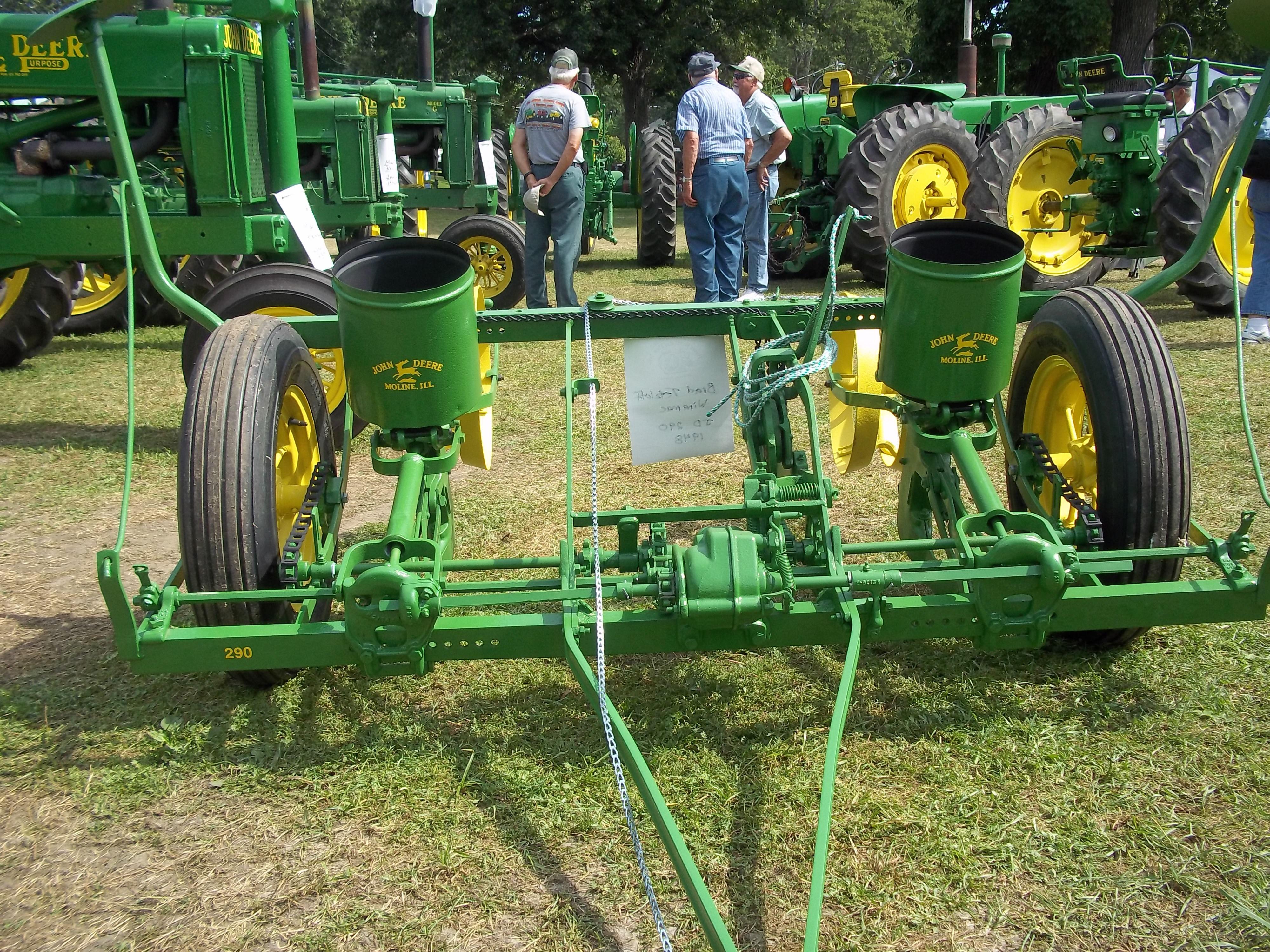 Old 2 Row Corn Planter John Deere Equipment John Deere Equipment