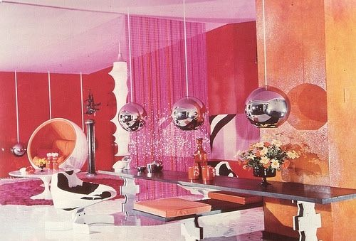 💫Groovy 60s interiors are my biggest inspo 💫⠀ .⠀ .⠀ .⠀ .⠀ .⠀ .⠀ .⁣⠀ .⁣⠀ .⁣⠀ .⁣⠀ .⁣⠀ #vintageimage #sustainablefashion #vintagestyle #shopethical #slowfashion #femaleowned #shopsmall #vintagelife #60s #vintageinteriors  #vintagestyle #vintageinspired #sixties  #vintagestores #60sinterior ⠀ #tumblrinspo #tumblrimage #1960s #60sinteriordesign  #1967 #60shome #vintageinteriors #groovyhome #vintagehomedecor #60shomedecor #vintageinteriordesign #vintagehome #groovypad