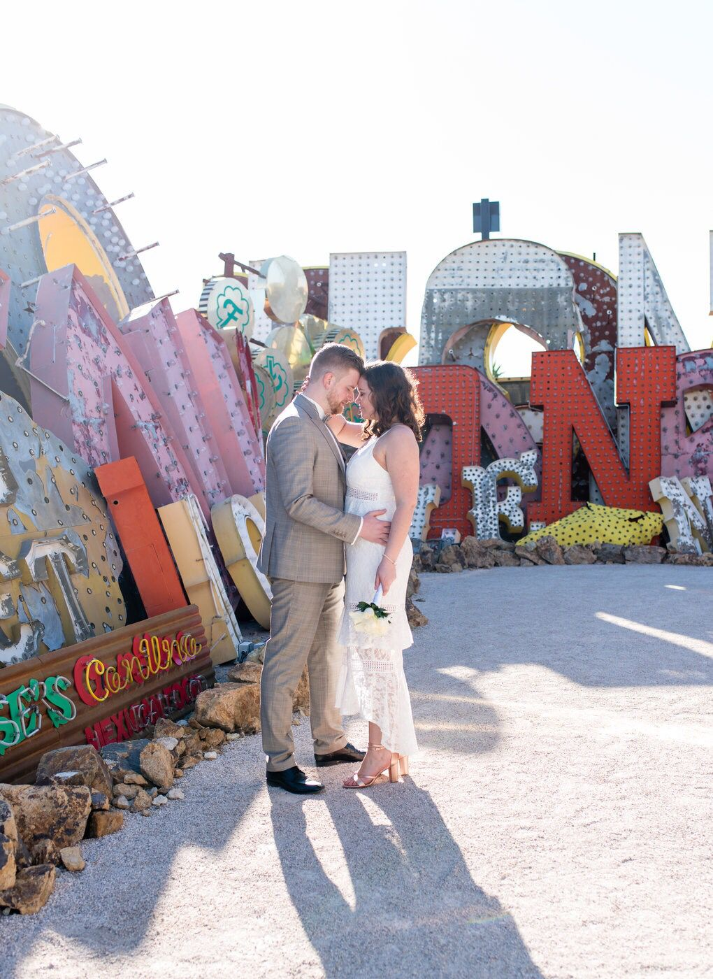 Vegas neon married elope lasvegas vegashotography
