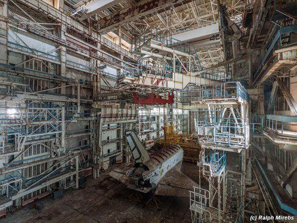 Prédio abandonado com tesouro na Rússia 12