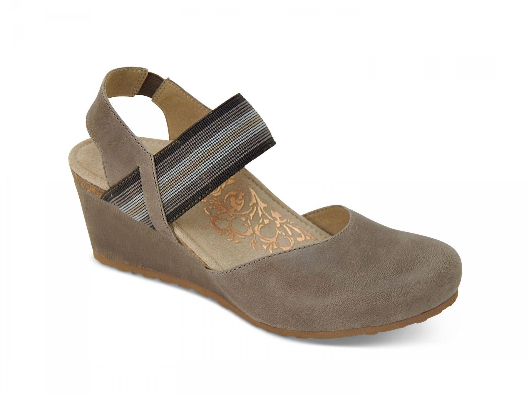 Olivia Wedge Heels - Stone