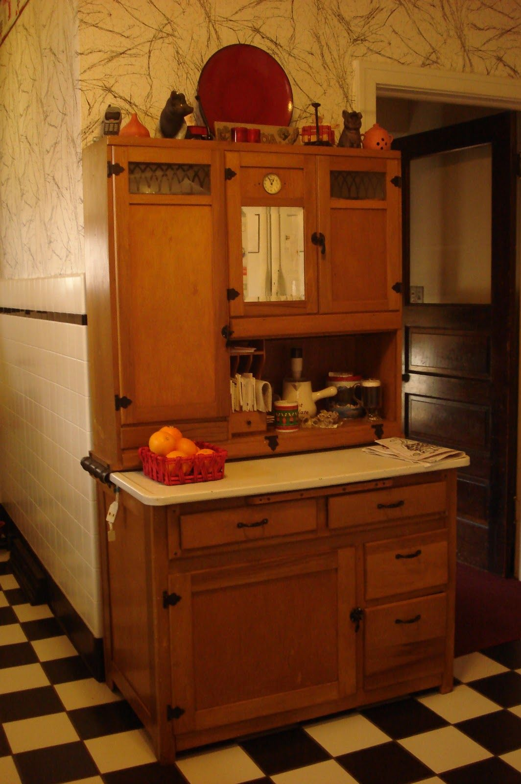 Estate Sale Listing Kitchen Cabinet Styles Retro Kitchen Kitchen Paint Design