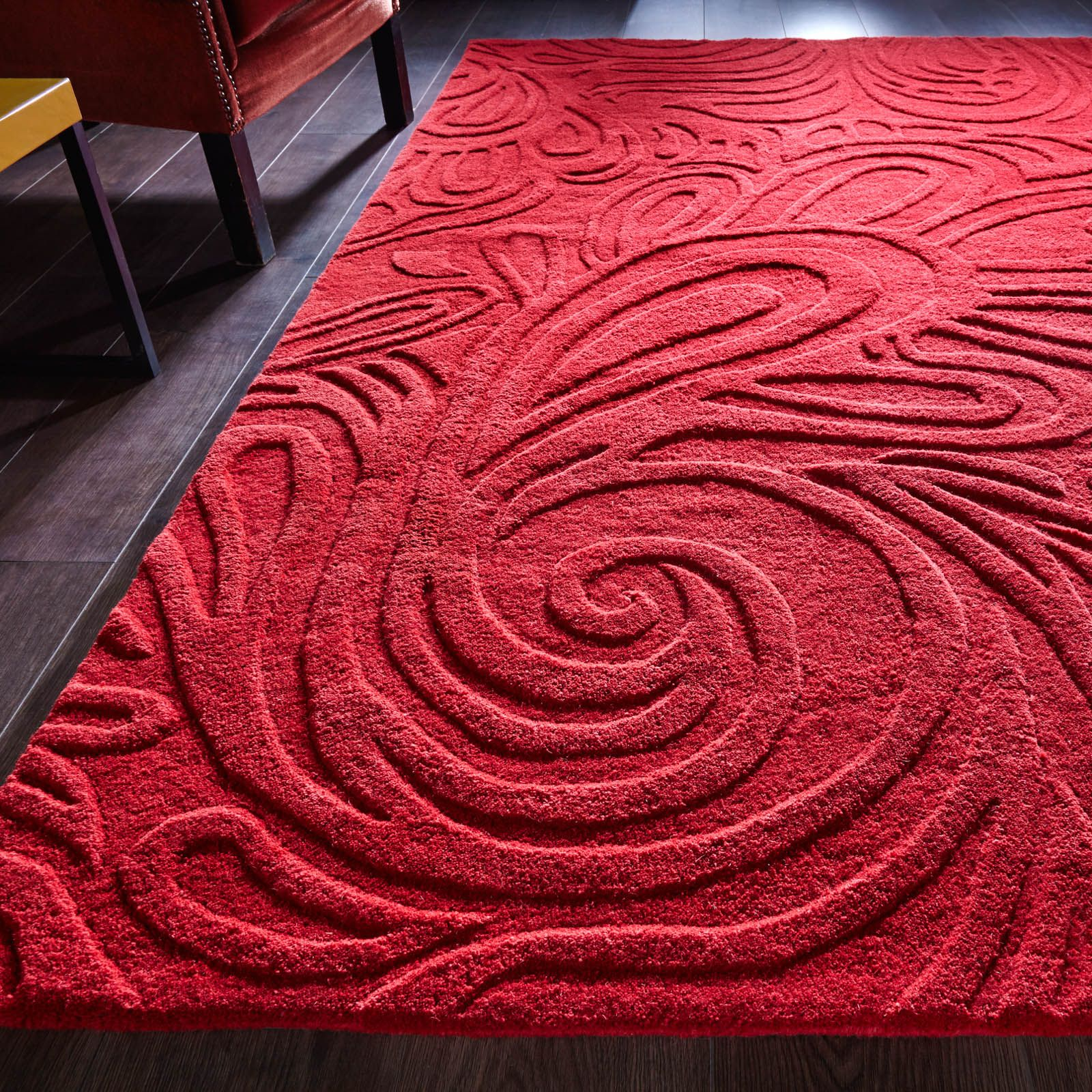Relief Paisley Rugs in Red