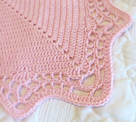 Crochet Blanket Pattern with Scalloped Edge | Borde festoneado ...