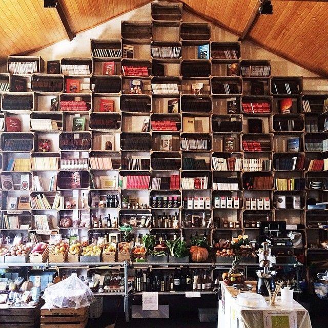 Loft-like bookstore in a former organic market in Óbidos. #takemethere #obidos #Portugal #bookstore (at Obidos)