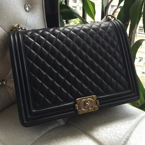88e7076ee2f5 Shop Women s CHANEL Black size OS Bags at a discounted price at Poshmark.  Description