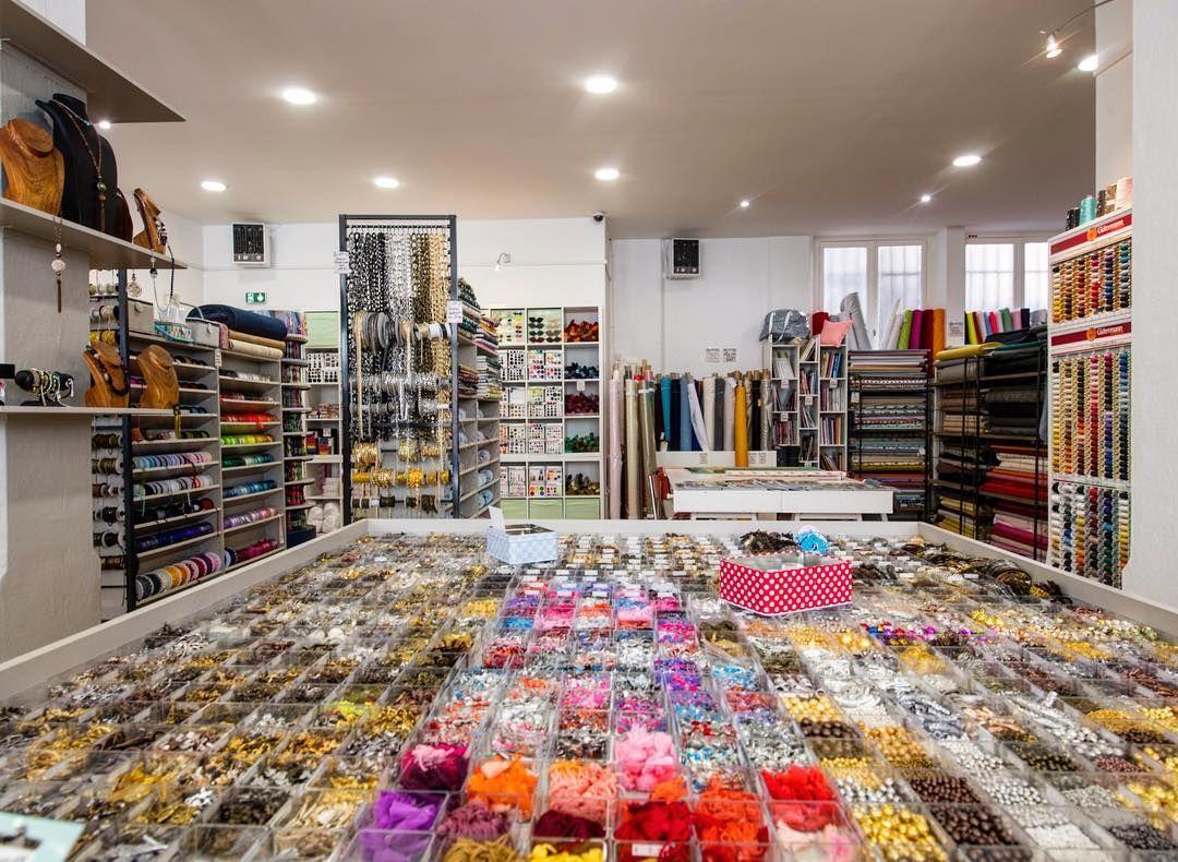 boutique atelier de la cr ation lyon 13 rue de l 39 arbre sec lyon 1er mercerie tissus. Black Bedroom Furniture Sets. Home Design Ideas