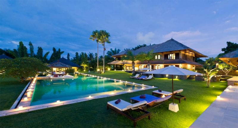 The Chalina Estate in the evenings sets the perfect mood for serenity and relaxation #Bali  More photos here: http://www.rentalescapes.com/luxury-villa-rentals/105742/