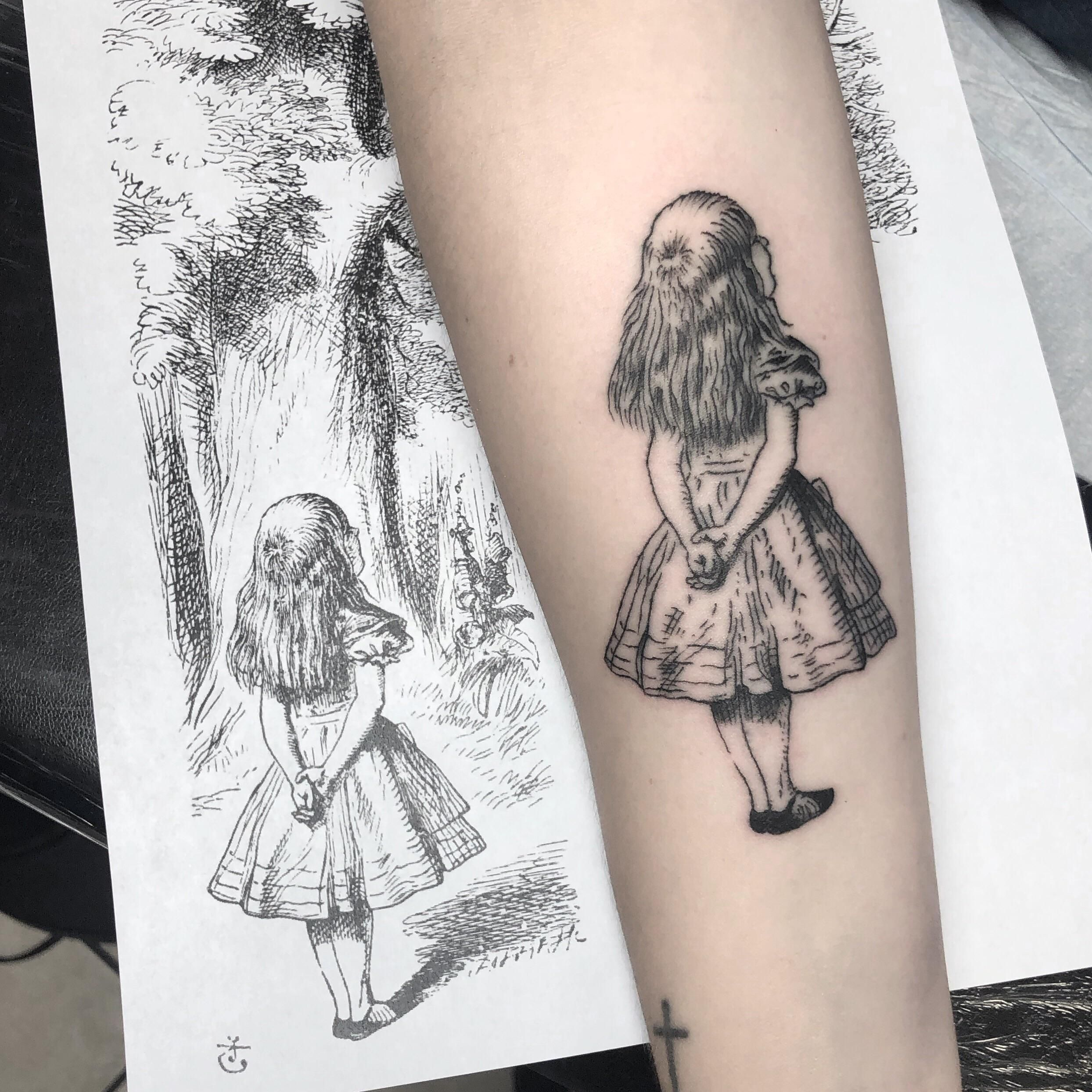 Had A Wonderful Time Replicating This Illustration By John Tenniel From Alices Adventures In Wonderland In 2020 Wonderland Tattoo Alice And Wonderland Tattoos Tattoos