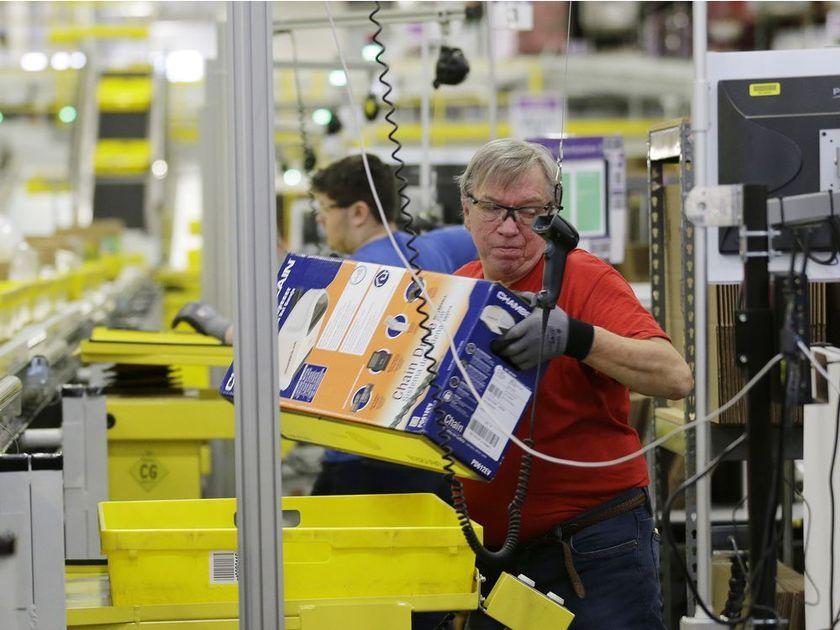 Amazon to create 750 jobs in Calgary area, open