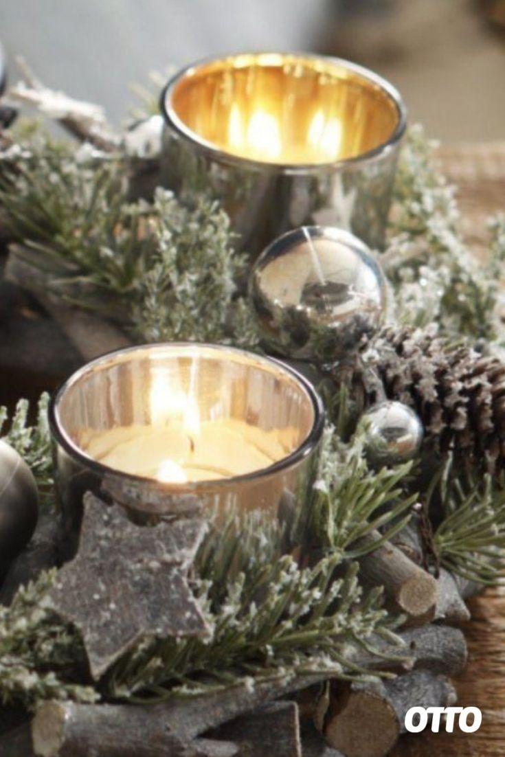 #Dekoration #skandinavisch #Weihnachten Dekoration Weihnachten skandinavisch        Adventstrend Scandizauber: Zur gemütlichen Adventszeit gehört unbedingt ein Adventskranz, der aus Tanne auch noch weihnachtlich duftet. Skandinavische Weihnachten zieht nun auch in unsere Wohnzimmer ein und ist ein absoluter Weihnachtsdeko Trend mit ganz viel Weiß, warmen Holztöne und Akzenten in Schwarz und Gold. Hier kommt fast alles aus der Natur. Mit silbernen Kugeln oder Schneekristallen aus Glas werd... #weihnachtsdekoimglasmitkugeln