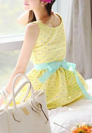 Sweet cute a-line blue dot print bubble sleeve yellow dress