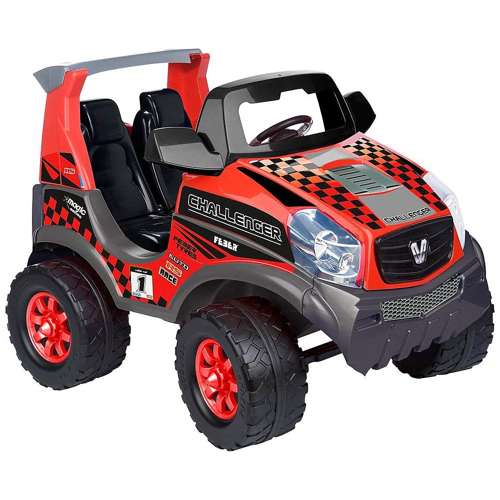 Feber - Challenger 12V, um veículo com bateria para os mais pequenos e capacidade para duas crianças. Com um desenho desportivo e robusto, tem acelerador de pé e travão eléctrico. Com as funções de marcha para a frente e para trás, pode atingir velocidades de até 5,3 km/h. Os faróis imitam os de xénon. Funciona com um motor e uma bateria de 12V. A bateria e o carregador estão incluídos. Dimensões: 113 x 82 x 82 cm (comprimento x altura x largura). Idade recomendada: +3 anos.