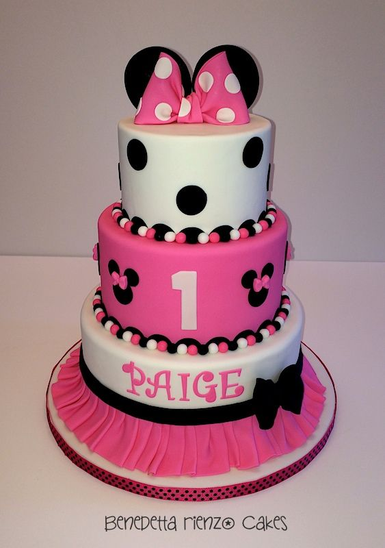 Minnie Mouse Bow and Ears Minnie Mouse bow and ears cake Skirted